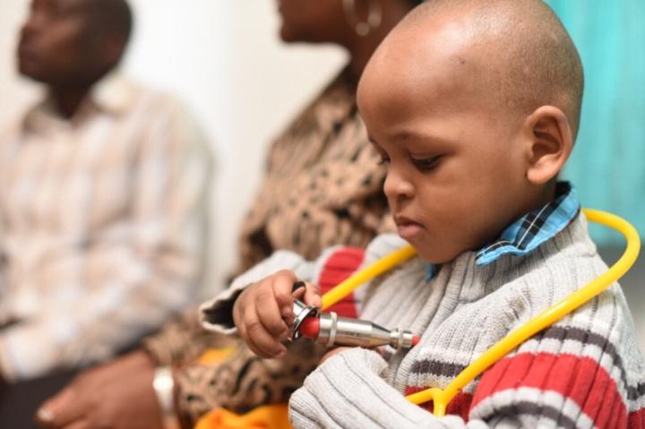 Ali Creating a New Tanzanian Neurologist!