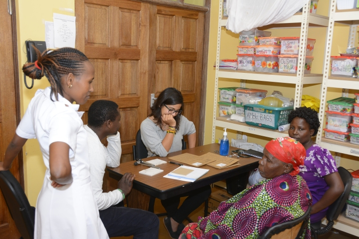 Laurita evaluating her patient with episodes of singing and prayer